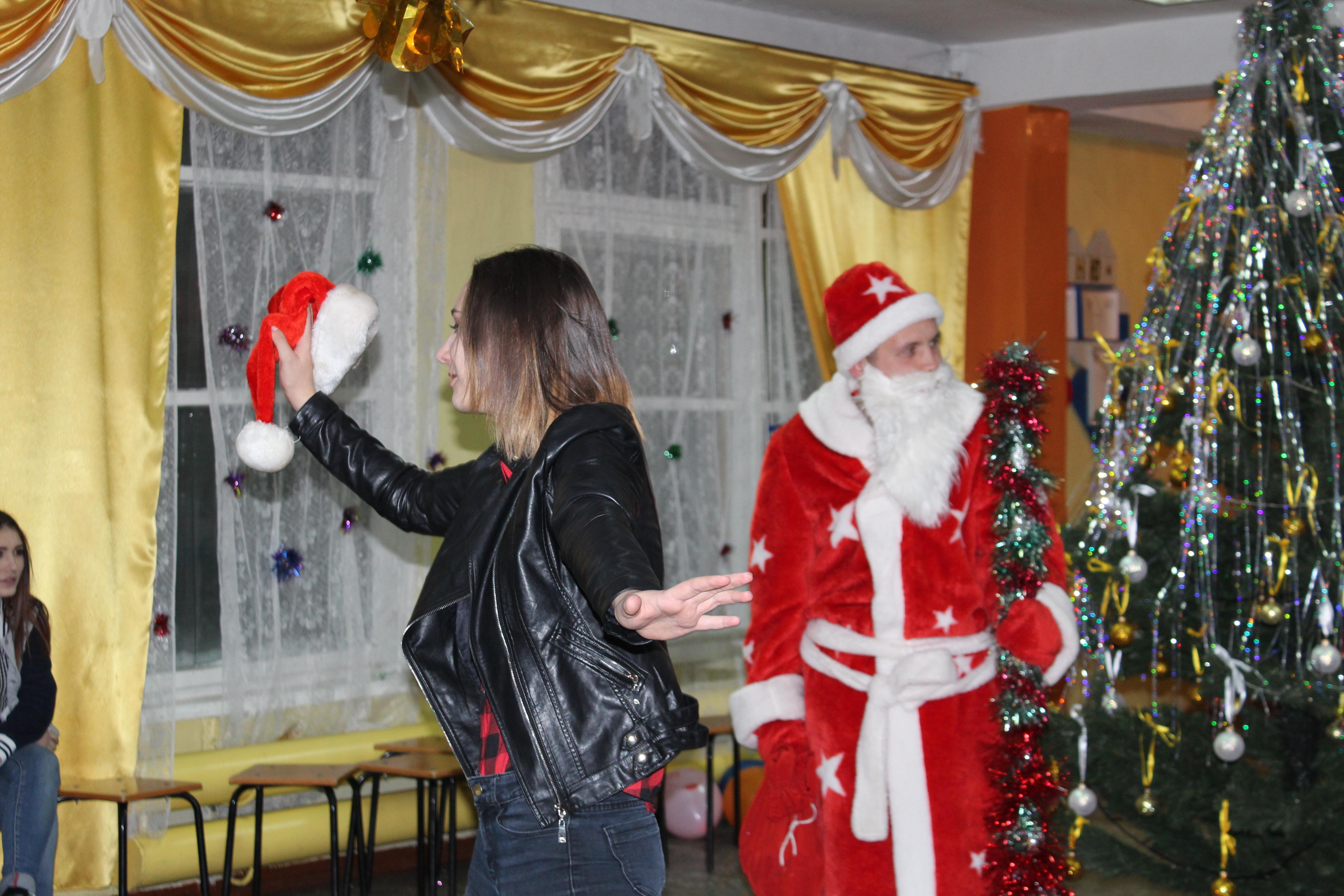 Скачать новогоднего бала сценки для 8 класса бесплатно